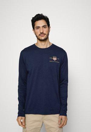 MEDIUM ARCHIVE SHIELD - Långärmad tröja - evening blue