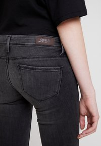 ONLY - ONLCORAL - Jeans Skinny Fit - dark grey denim - 5