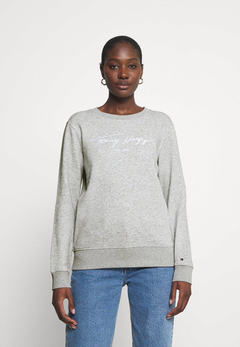 Tommy Hilfiger - SCRIPT - Sweatshirt - light grey heather