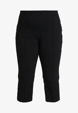 CAPRI PULL ON PANT - Shorts - black