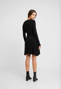 Even&Odd Petite - Vestito di maglina - black - 2
