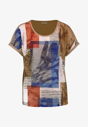 MIT PATCHOPTIK - Print T-shirt - braun/blau gemustert
