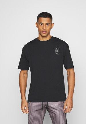 JORPEACE TEE CREW NECK - T-shirt con stampa - black