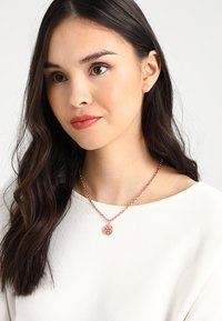 SNÖ of Sweden - MONROE SMALL ROUND PENDANT - Necklace - roségold-coloured - 1