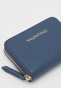 Valentino by Mario Valentino - SUPERMAN - Portemonnee - navy - 3