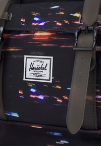 Herschel - LITTLE AMERICA MID-VOLUME - Reppu - black - 3