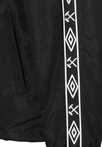 Umbro - FC SCHALKE 04 COACH HERREN - Light jacket - black - 4