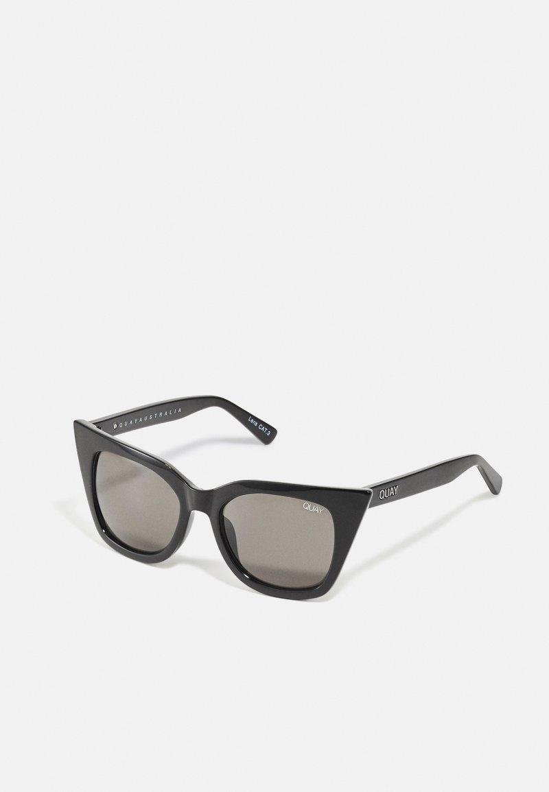 QUAY AUSTRALIA - HARPER - Occhiali da sole - shiny black/smoke