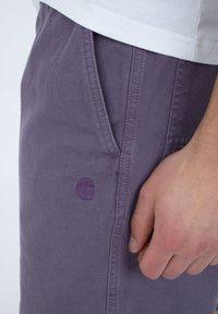 Carhartt WIP - CARSON  - Shorts - provence - 4