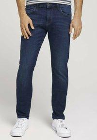 TOM TAILOR - TROY  - Slim fit jeans - stone wash denim - 0