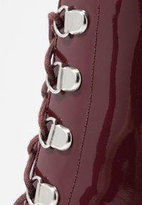 Zign - Kotníková obuv na vysokém podpatku - bordeaux - 2