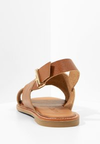 Inuovo - Sandals - mntrl cocconut ncc - 5