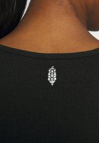 Free People - PERFECT DAY TANK - Camiseta estampada - black - 5
