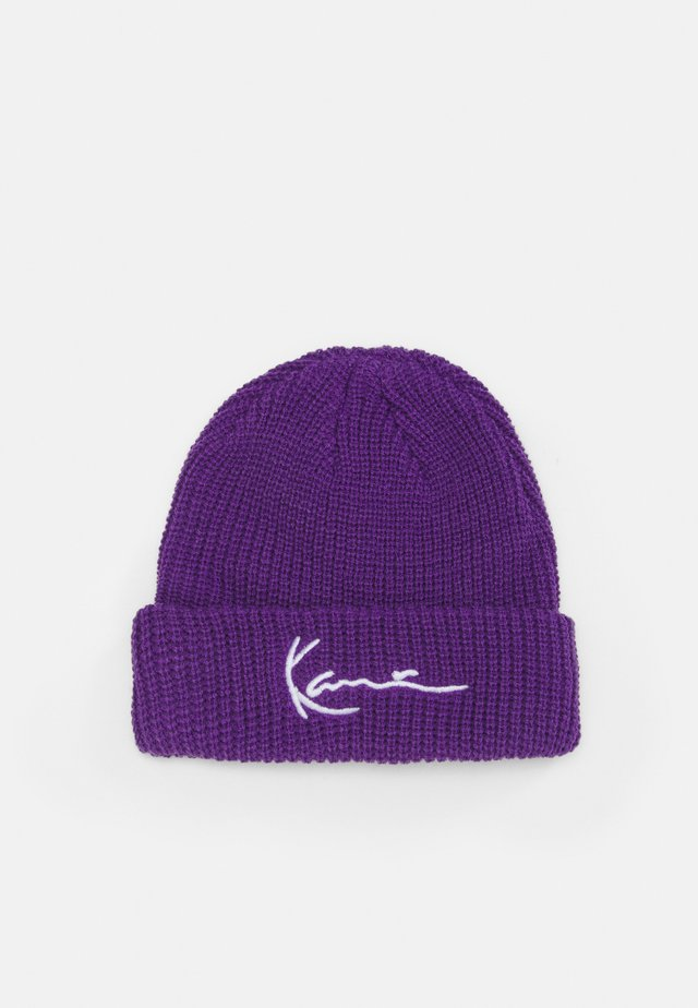SIGNATURE FISHERMAN BEANIE UNISEX - Čepice - purple