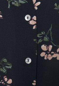 Vero Moda Petite - VMSAGA CALF SHIRT DRESS - Shirt dress - navy blazer/nellie - 2
