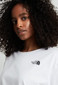 The North Face - CROPPED SIMPLE DOME TEE  - T-shirts - white