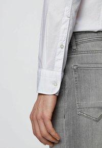 BOSS - MAGNETON - Camicia - white - 4