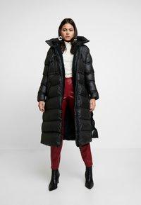 Hunter ORIGINAL - WOMENS ORIGINAL PUFFER COAT - Winter coat - black - 1