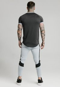SIKSILK - EYELET - Print T-shirt - charcoal grey - 2