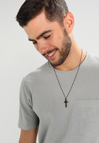 Icon Brand - CROSS TOWN NECKLACE - Necklace - black - 1