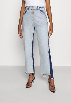 STRAIGHT - Jeans a sigaretta - medium blue/dark blue