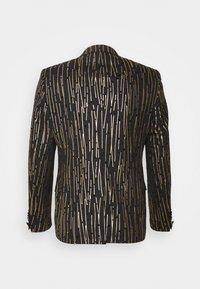 Twisted Tailor - SAGRADA SUIT - Completo - black/gold - 14