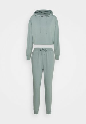 SWEAT SET CROPPED HOODIE & REGULAR JOGGER - Bluza z kapturem - green