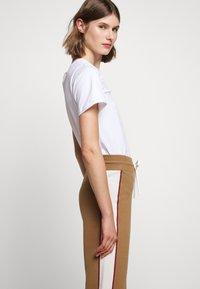 See by Chloé - Teplákové kalhoty - desert beige - 3