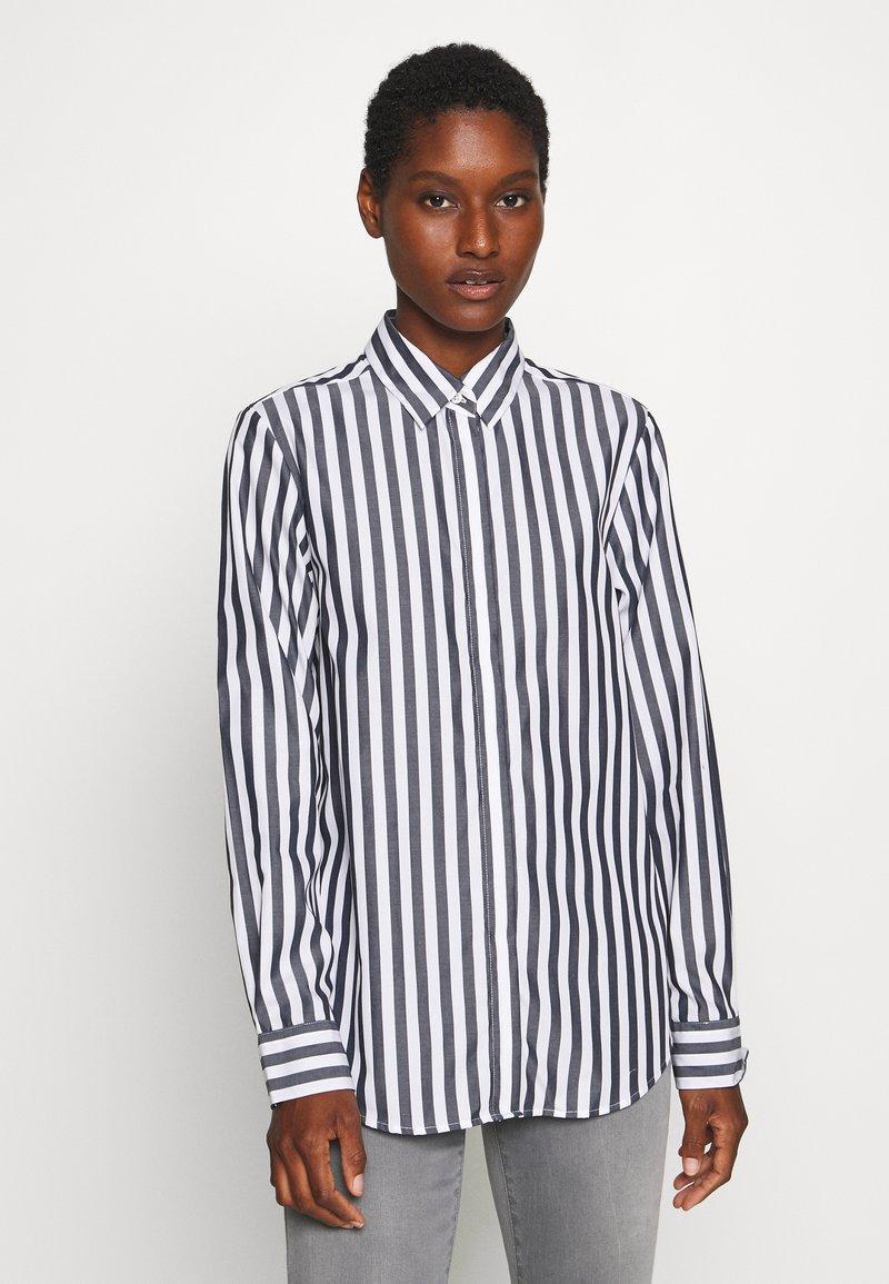 Seidensticker - LANGARM - Button-down blouse - dark sapphire