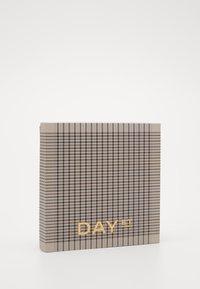 DAY ET - MINI PEPITA CHECK - Foulard - cement - 1