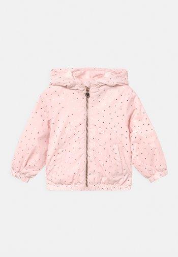 RAIN - Jas - soft pink
