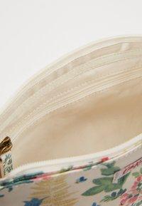 Cath Kidston - SMALL ZIPPED CROSSBODY - Across body bag - warm cream - 4