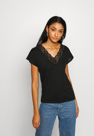 JDYMAXI TREATS - Print T-shirt - black