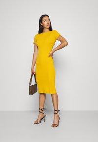 Missguided - TEXTURED CUT OUT BACK DRESS - Jumper dress - mustard - 1