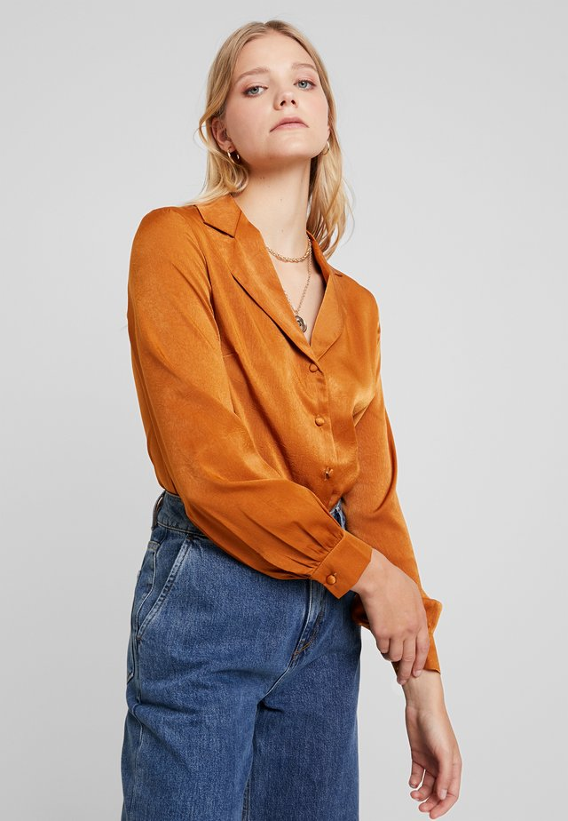 LUXE TAILORED BODYSUIT - Button-down blouse - rust