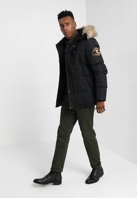 Alessandro Zavetti - OSHAWA - Winter jacket - black - 1