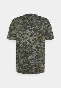 Under Armour - CAMO - Print T-shirt - baroque green - 6