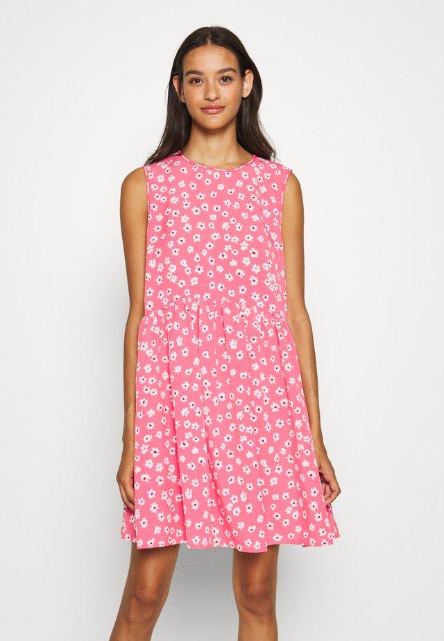 DROP WAIST DRESS - Vapaa-ajan mekko - glamour pink