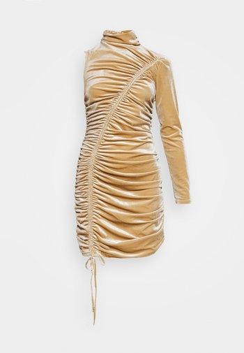 RUCHED ONE SHOULDER MINI DRESS - Cocktail dress / Party dress - brick