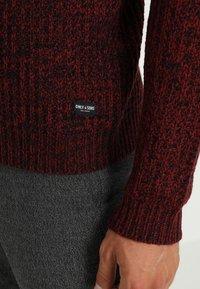 Only & Sons - ONSLAZLO STRIPED CREW NECK - Stickad tröja - cabernet - 5