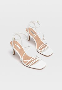 Stradivarius - Chaussures de mariée - white - 2