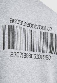 YAVI ARCHIE - BARCODE - Sweatshirt - grey - 4