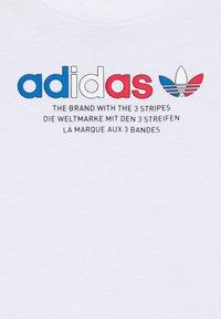 adidas Originals - TEE SET UNSEX - Shorts - white/wilpnk - 3
