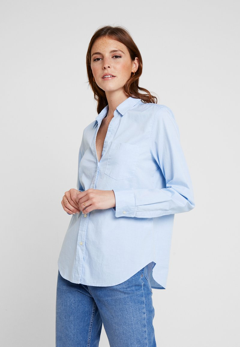GAP - FITTED OXFORD - Button-down blouse - light blue