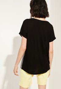 comma casual identity - Blouse - black stripes placed wording - 2