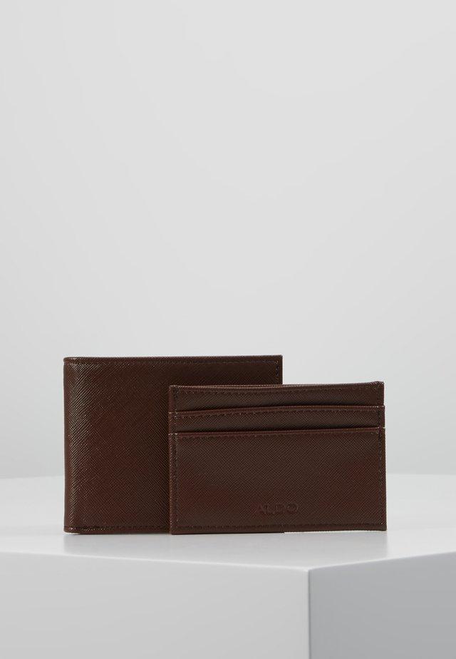 LEBSKO SET - Kortholder - medium brown
