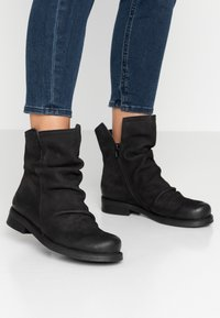 Felmini Wide Fit - SERPA - Classic ankle boots - pacific black - 0