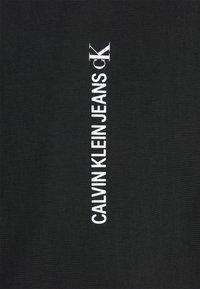 Calvin Klein Jeans - VERTICAL LOGO  - Giacca leggera - black - 2