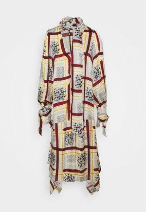 NECK DRESS WITH TIE CUFFS - Vestito estivo - burgandy / check