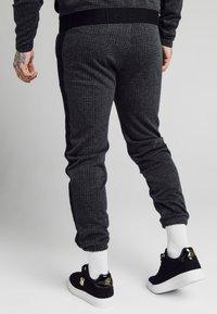 SIKSILK - TONAL CHECK CUFFED PANTS - Spodnie materiałowe - grey - 2